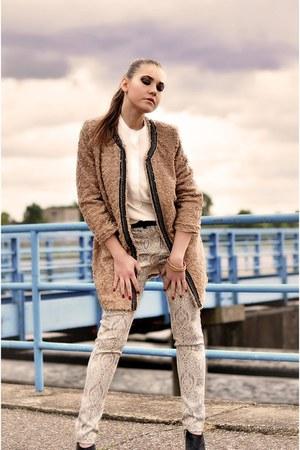 coat - shoes - shirt - bag - pants - H&M bracelet