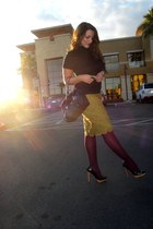 deep purple HUE tights - black lulus purse - black thrifted blouse