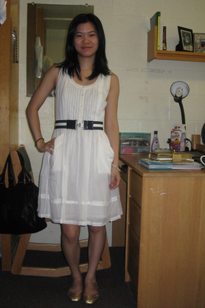 Tommy Hilfiger dress - coach shoes - Jimmyz belt