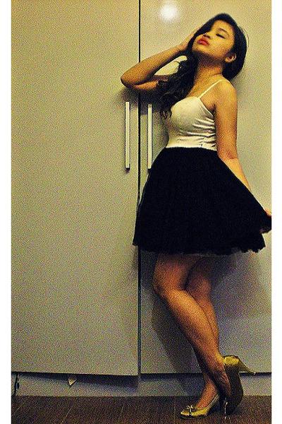 bronze Mario Dboro heels - black New York Triangles dress