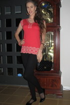 Chanel purse - Forever 21 leggings - bcbg max azria blouse
