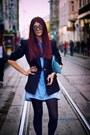 Light-blue-buttoned-dress-navy-classic-blazer-light-blue-clutch-bag