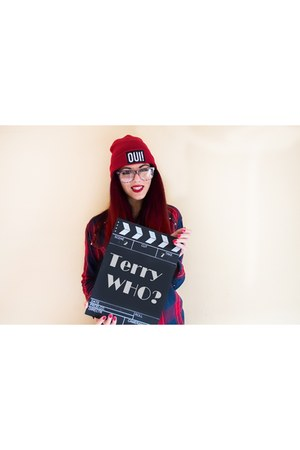 ruby red beanie Tally Weijl hat - crimson cotton studs Bershka shirt