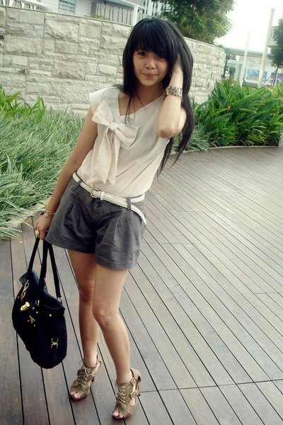Black Prada Accessories, Brown MITJU Shoes, Beige Unbranded Tops ...