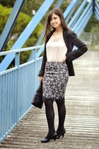 Bershka skirt - Easy Wear jacket - Primark bag - Bershka blouse