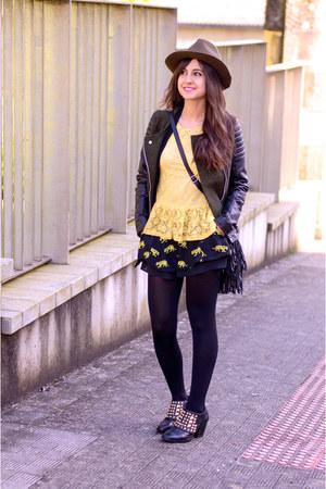 Zara boots - Zara hat - Bershka jacket - Bershka shorts - Sheinside blouse