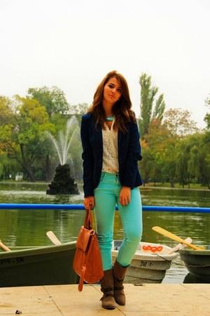 Stradivarius blazer - Bershka boots - H&M shirt - Stradivarius bag - Zara pants