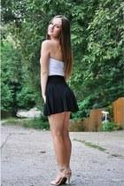 black pull&bear skirt - ivory Atmosphere top - beige Stradivarius sandals