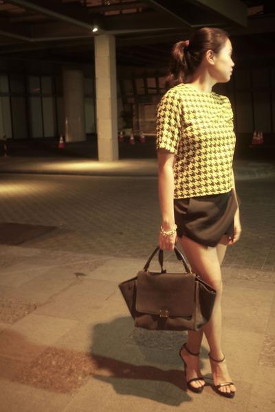 celine handbag - Black Skort Origami Pink Manila Shorts, Black Trapeze Celine Bags ...