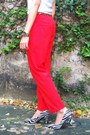 Plain-v-neck-giordano-shirt-pants