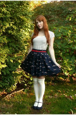 navy Forever 21 skirt - ivory modcloth socks - ruby red belt