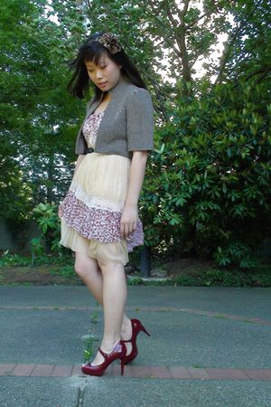 beige vintage dress - brown Urban Behaviour coat - red Guess shoes