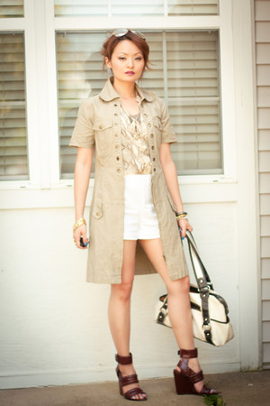 white H&amp;M shorts - dark khaki trench jacket - two tone Kathy van Zeeland bag