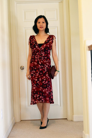 Diane Von Furstenberg dress - woc in dark red Chanel bag