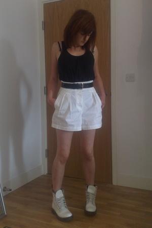 Gap - emporio armani belt - Gap shorts - Dr Martens