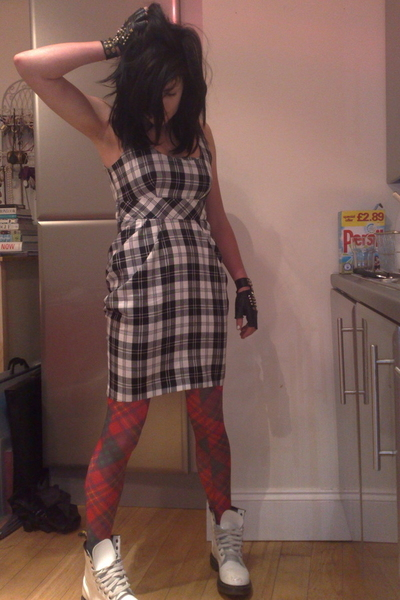 River Island gloves - Miss Selfridge dress - Topshop - Dr Martens