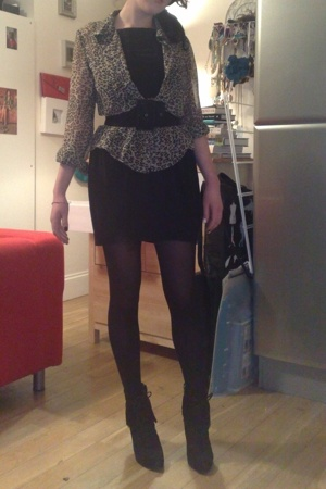 H&M blouse - Topshop dress - came with a dress of the motherships belt - M&S tig