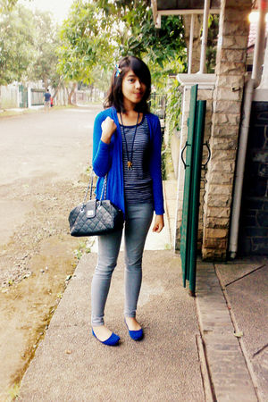 blue cotton on cardigan - top - gray jeans - blue shoes - blue toya necklace - b