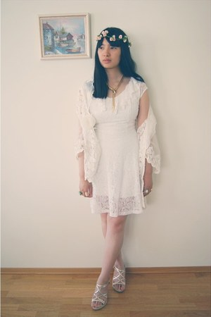 white lace flea market dress