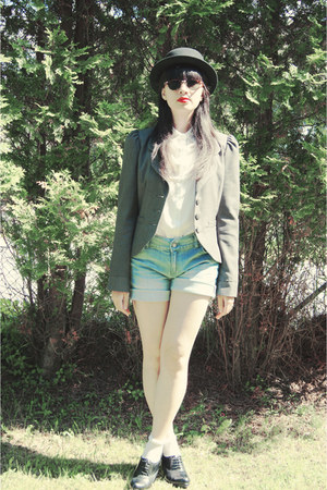 hat - blazer - shorts