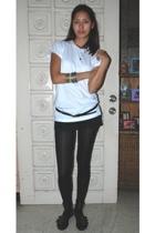 Hanes t-shirt - SM belt - F&H shorts - tights - shoes