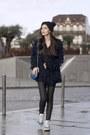 El-corte-ingles-hat-vintage-bag-adidas-sneakers-urban-outfitters-cardigan