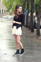 H&M scarf - Zara jacket - Converse sneakers