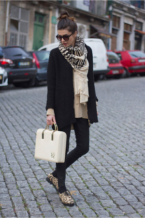 vintage bag - Deena &amp; Ozzy shoes - vintage shirt - Zara scarf - Zara cardigan