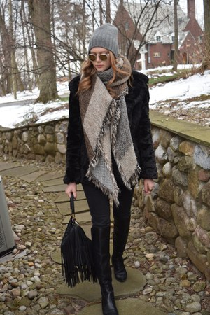 faux fur black Topshop coat - beanie grey JCrew hat - H&M bag