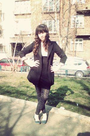 black Carling blazer - black Urban Behaviour dress - gray New Yorker leggings -