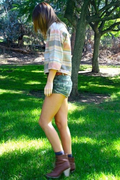 vintage blouse - UO shorts