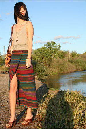 vintage skirt - American Apparel top - vintage necklace - vintage shoes - vintag