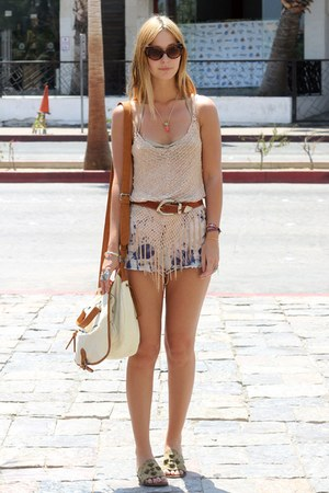 tie dye cut off diy vintage shorts - cateye Urban Outfitters sunglasses