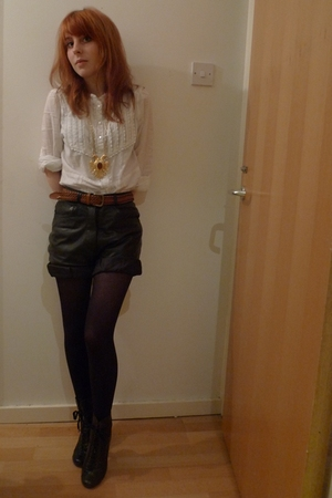 black vintage shorts - white vintage blouse - black Office boots