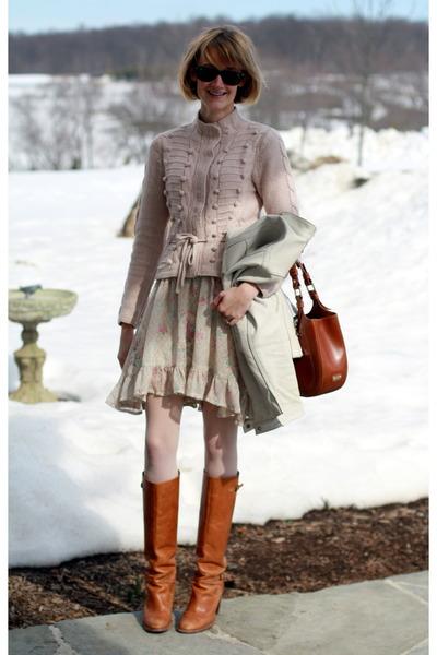beige vintage dress - brown KORS boots - white Gap jacket