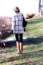 Black-j-brand-jeans-white-vintage-coat-brown-kors-boots-black-kmrii-purse-