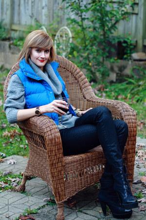blue puffer down JCrew vest - black Pour La Victoire boots