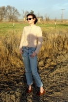 H&M sweater - Ray Ban sunglasses - calvin klein jeans - vintage shoes