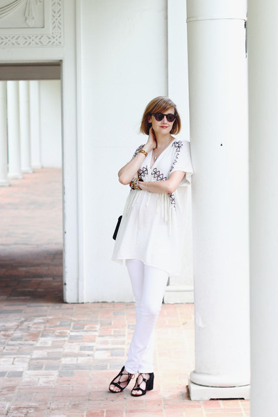 white bohemian Zara top - white skinny jeans Mango jeans