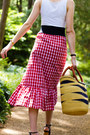 Black-cat-eye-quay-sunglasses-red-gingham-zara-skirt