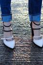 Blue-skinny-jeans-textile-elizabeth-james-jeans