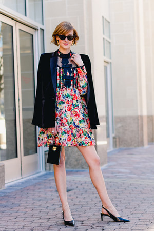 salmon floral Ganni dress - black velvet Mango blazer - black mini vintage bag