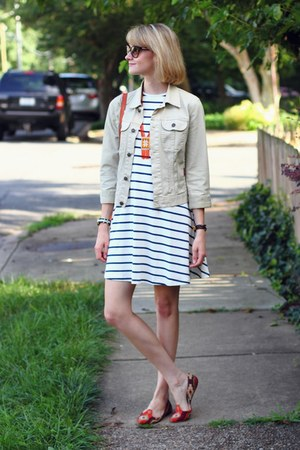 ivory stripe swing asos dress - lime green denim 7 for all mankind jacket