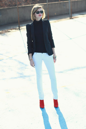 white skinny Mango jeans - red ankle boots Zara boots