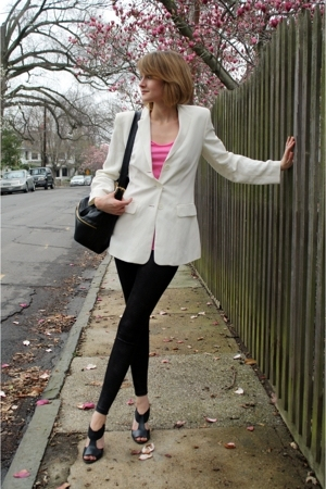 ann taylor blazer - forever 21 t-shirt - Costume Department leggings - Pour La V