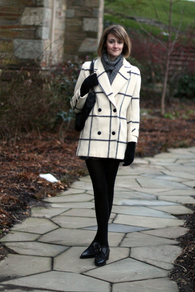 white vintage coat - black vintage shoes - black KMRii purse - black H&M gloves
