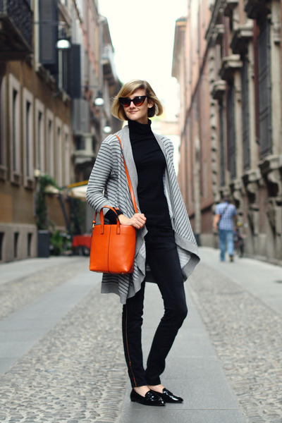 carrot orange tote romwe bag - black gold lined Zara jeans