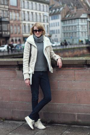 ivory shearling Mango jacket - navy skinny H&M jeans