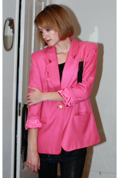 vintage blazer - vintage accessories - H&M t-shirt - Costume Department leggings