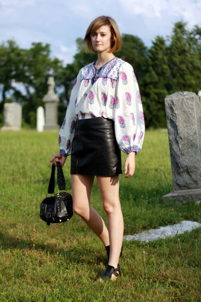 Angie top - Urban Outfitters skirt - Sweet Life shoes - Betsey Johnson purse
